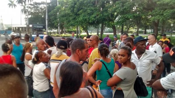 Tramitación documental en Cuba
